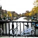 Amsterdam, la ville des canaux et aussi… des vélos